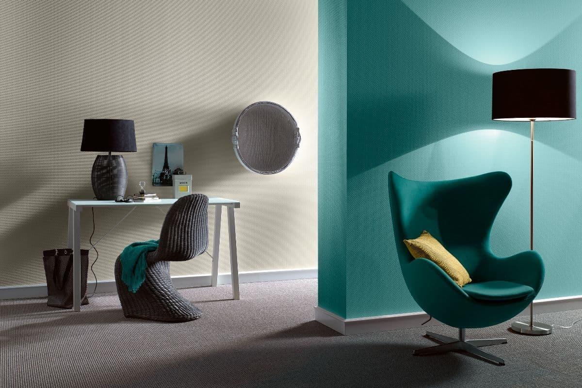 Sessel mit Schminktisch hinten