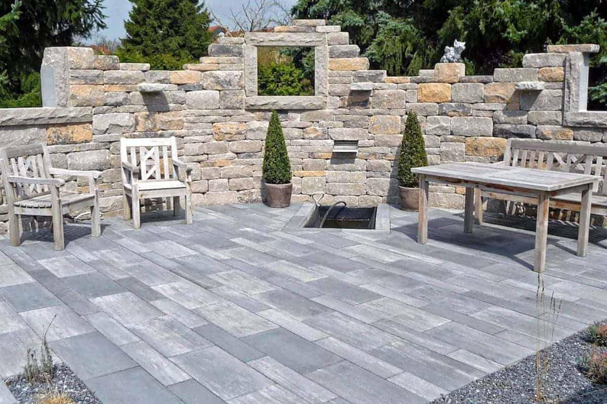 Terrasse aus natürlichem Betonstein
