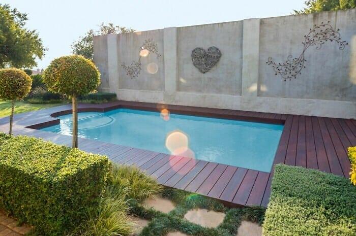 Hochwertige Gartenprodukte verschönern die Terrasse