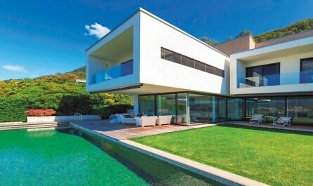 Modernes Haus mit Swimming-Pool