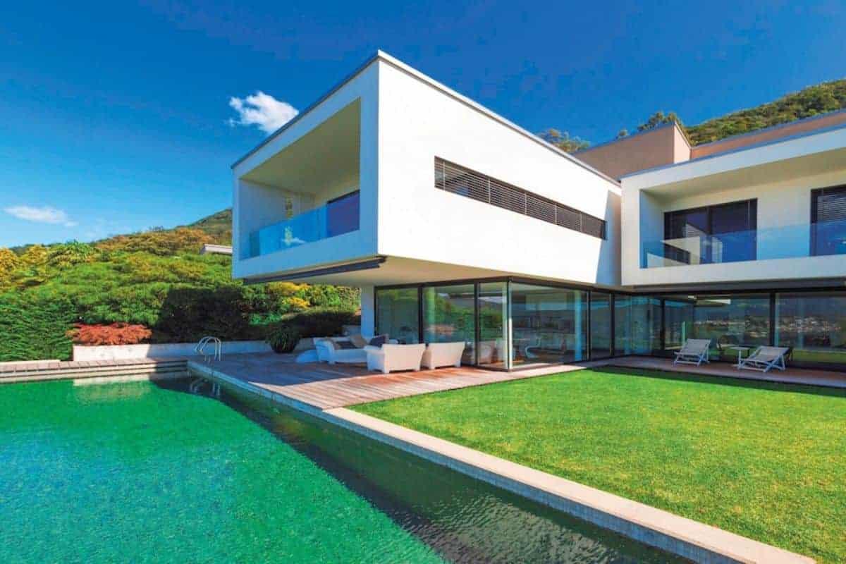 Modernes Haus mit Swimming-Pool