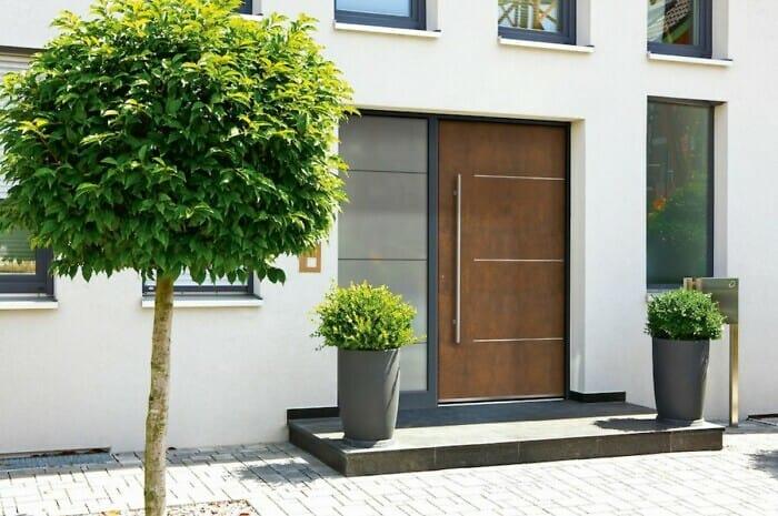 Eine wärmeeffiziente Haustürfüllung freut Geldbeutel und Wohnklima