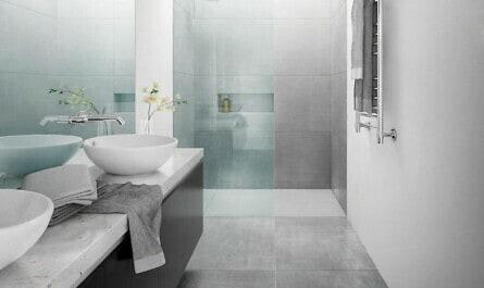 Waschbecken befestigt an Trockenbauwand