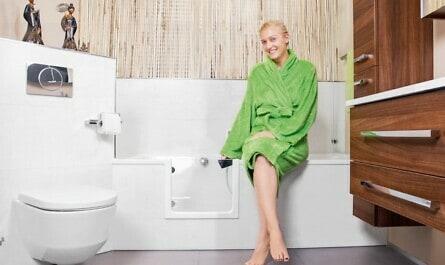 Badewannentür erleichert Einstieg in Wanne