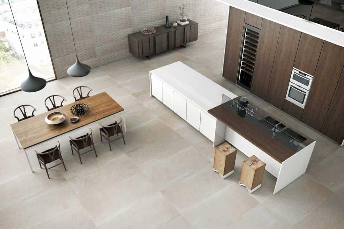 Feinsteinzeug in der Küche