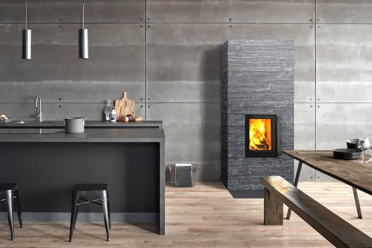 Kaminofen in der Küche