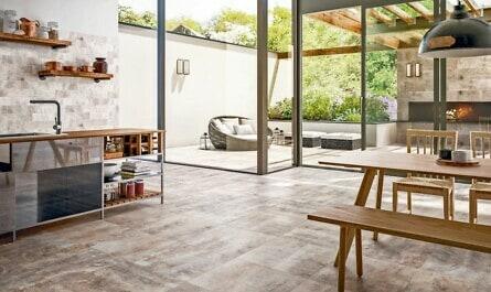 Küche mit Steinoptik-Fliesen aus Keramik
