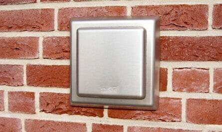 Verlustfreier Mauerkasten mit Klappe