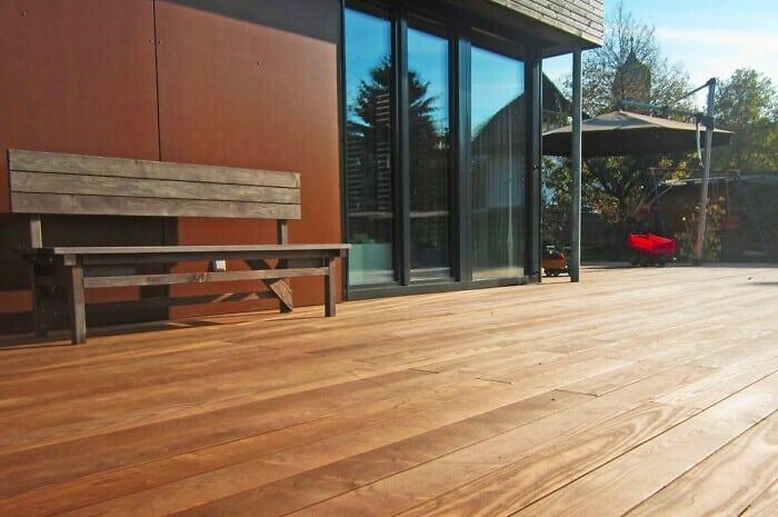 Thermobehandelte Holzdielen für die Terrasse