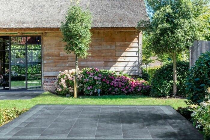 Terrassenplatten ziehen Blicke auf sich