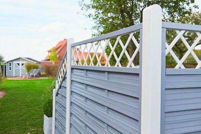 Farbe für Holz im Garten